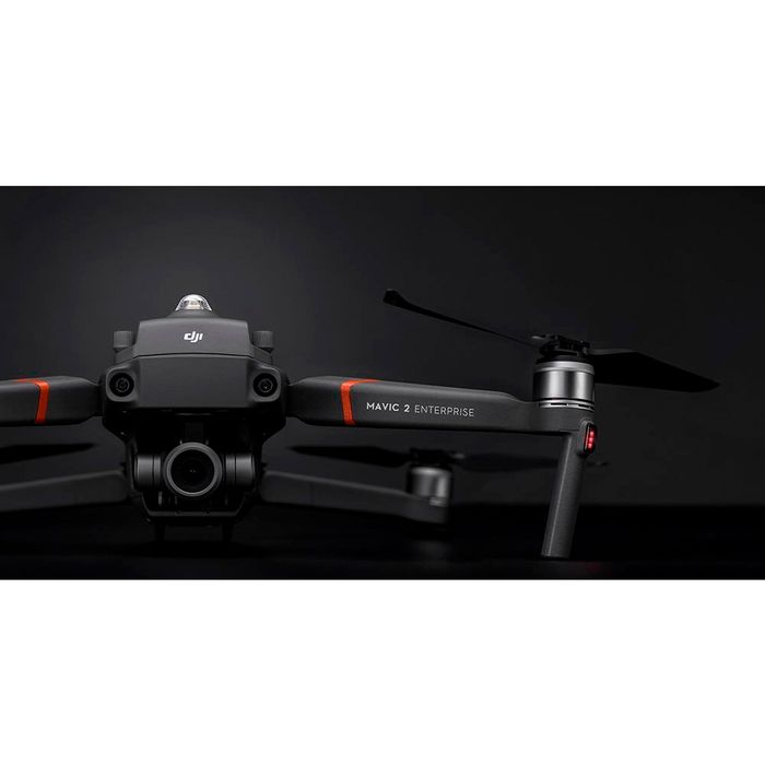 dji-mavic-2-enterprise-zoom-aberto-frontal-luz